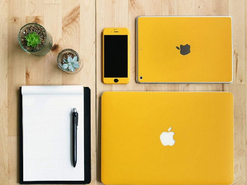 wraplus for MacBook(スキンシール)の全色比較してみた(34色)